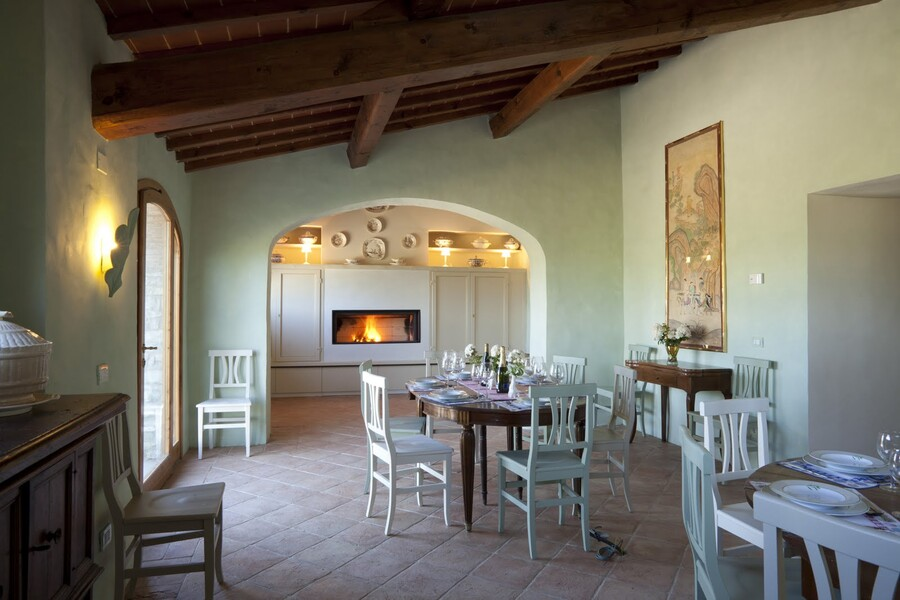 forteto Dining%2520room%2520with%2520chimney-6758